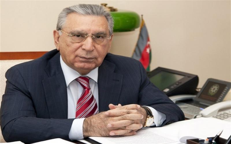 Ramiz Mehdiyev plagiat direktoru vəzifəsindən uzaqlaşdırdı