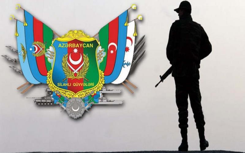On iki yaşlı oğlan fotoaparat almaq üçün yığdığı pulu Azərbaycan Ordusuna göndərdi -  FOTO