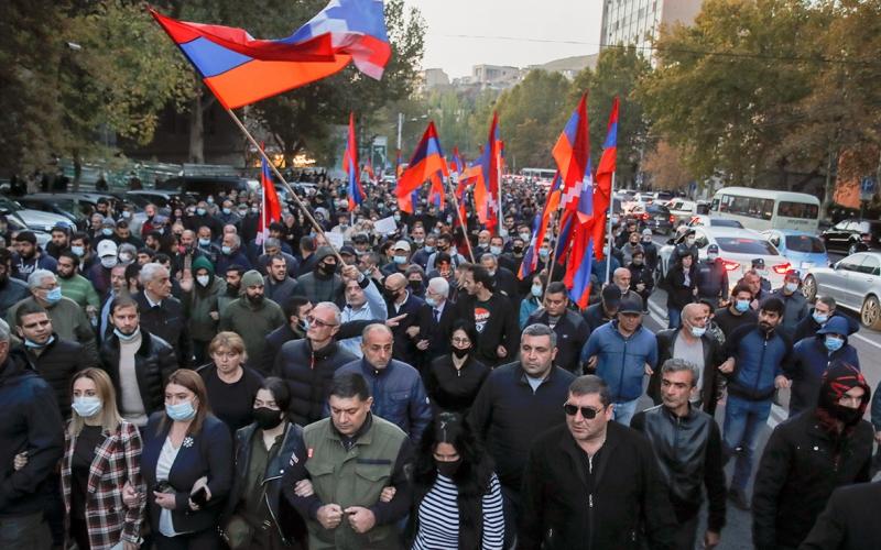 Ermənistanda aksiyalar davam edir