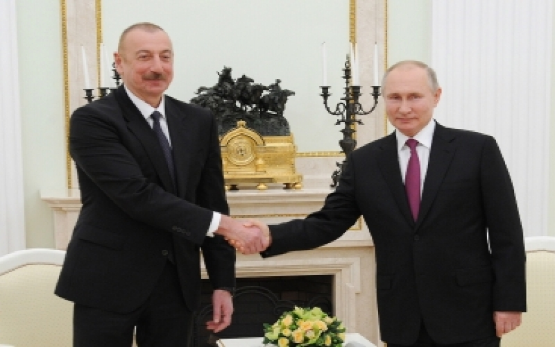 İlham Əliyev və Putinin ikitərəfli görüşü oldu