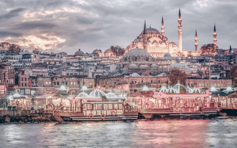 İstanbul həftə sonları turistlərin ixtiyarına verilir -  REPORTAJ - FOTOLAR