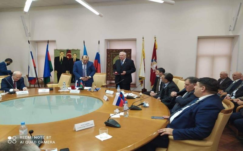 """Baybakov Fondunun sədri """"Rəsulzadə"""" medalı ilə təltif edilib"""