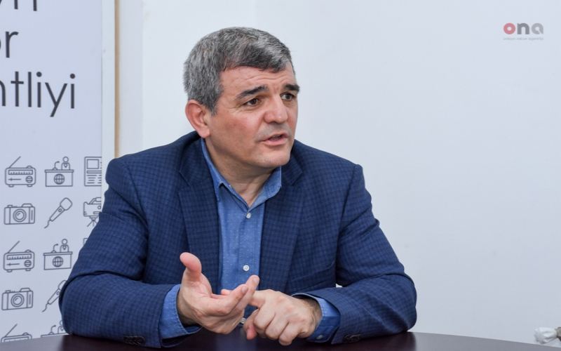 """Deputat: """"Azərbaycanlı mentalitetini dəyişmək mümkün deyil"""""""