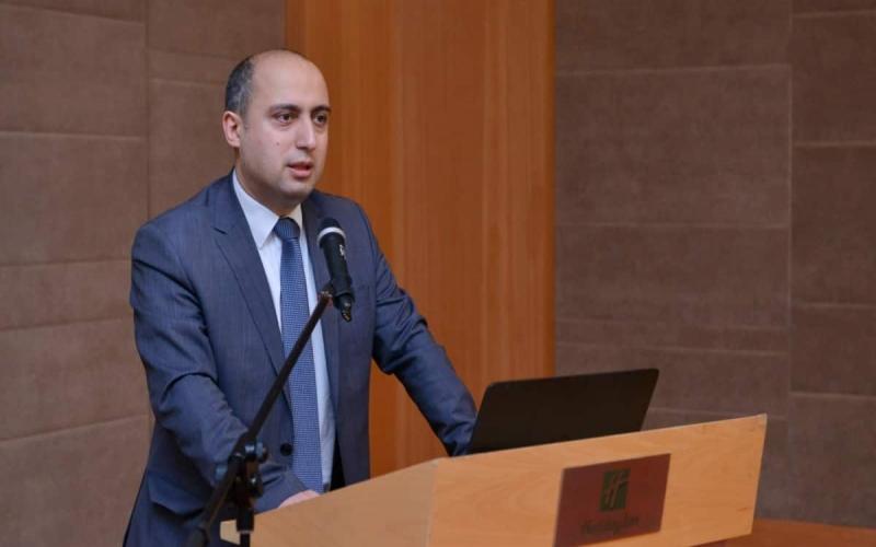 Nazir Azad Rəhimovun vəfatından yazdı