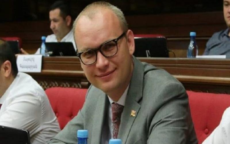 """""""Azərbaycan və erməni xalqlarının birgə, yanaşı yaşaması mümkündür"""""""