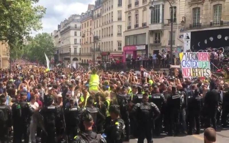 On minlərlə fransız karantin rejiminin sərtləşdirilməsinə etiraz edib -  VİDEO