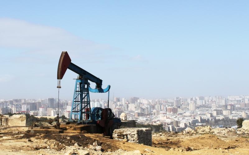 Azərbaycan nefti 83 dollara düşdü